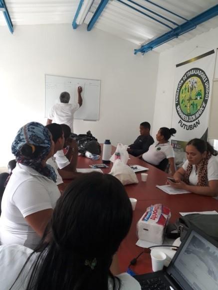Comité de Prima en reunión
